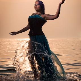 by Amelia Falk - People Fashion ( flash, fashion, reflection, lively )