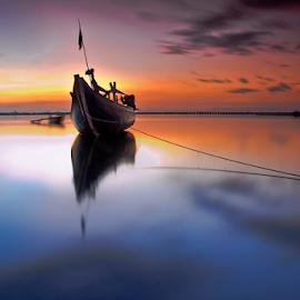 Soft by Choky Ochtavian Watulingas - Landscapes Sunsets & Sunrises ( clouds, reflection, sunrise, seascape, csv, sun )