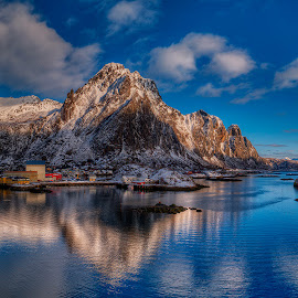 Svolvær by John Aavitsland - Landscapes Mountains & Hills