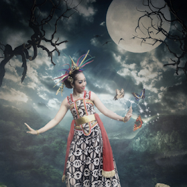 Moonlight Dance by Sarwono e Subarkah - Digital Art People ( indonesia, woman, digital art, digital manipulation, java, digital imaging, dance, people, culture )