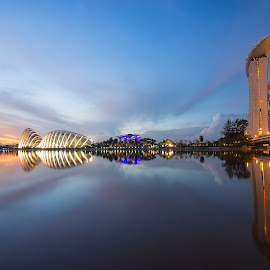 Twilight by Kafoor Sammil - Landscapes Sunsets & Sunrises ( gbtb, mbs, singapore flyer, singapore, marinabay )