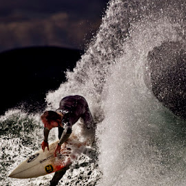 Jeffreys Bay waves by Bastian Rijnvis - Sports & Fitness Surfing