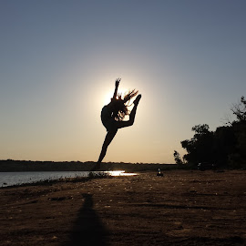Express Yourself by Desiree Ramirez - Instagram & Mobile Android ( jumping, fitness, sunset, beach, dance )