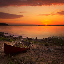 Abandoned boat by Beyhan Ahmedov - Landscapes Sunsets & Sunrises ( dawn, sea, finland, lake, boat )