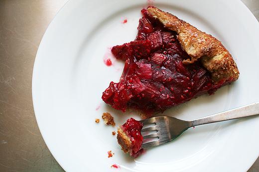 Rhubarb and Raspberry Crostata Recept | Yummly