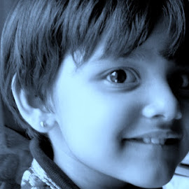 That look  by Rituparna Bose - Babies & Children Child Portraits ( look, innocent, children, smile )