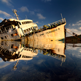 morning boat by Didik Mahsyar - Transportation Boats ( water, ferry., ocean, beach, lombok, boat, island )