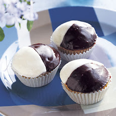 Black-and-White Cupcakes