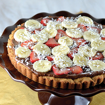 Strawberry Banana Dessert Pizza