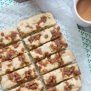 Baked Apple Streusel Pancake Bars