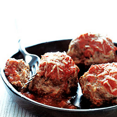 Old-Fashioned Meatballs in Red Sauce
