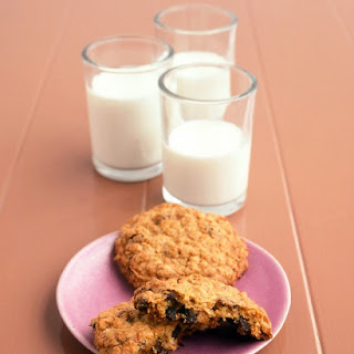Jumbo Oatmeal-Raisin Cookies