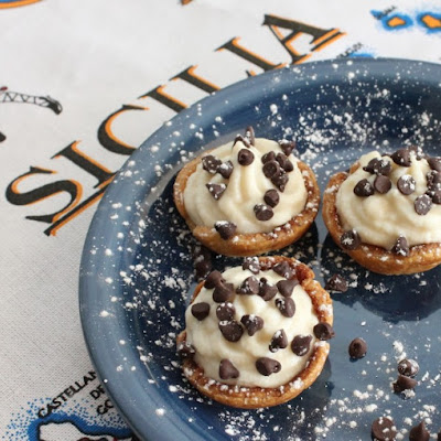 Mini Cannoli Cream Cups