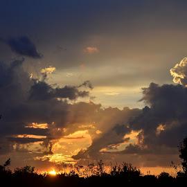 by Editha Bonneau - Landscapes Cloud Formations