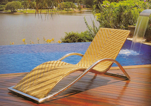 outdoor-chaise-lounge