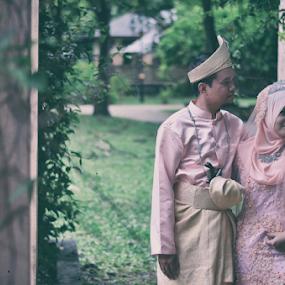 Gunung Lang, Ipoh, Perak, Malaysia by Iz Fotografi Art Works - Wedding Bride & Groom ( melayu, mir, gunung lang, malay, malaysia, malay bride, ipoh, izmir, malay outdoor, malay groom, iz fotografi, perak, tun izmir )