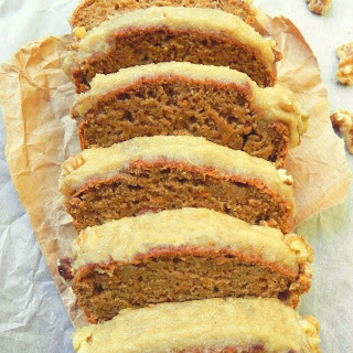 Healthy Vegan Carrot Cake Loaf with Cinnamon Cream Cheese Icing {Oil Free!}