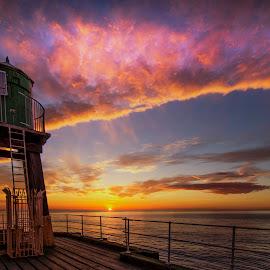 pier sunrise by Mark Bradshaw - Landscapes Sunsets & Sunrises ( yorkshire, whitby, seascape, sunrise, landscape )