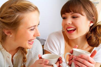 http://lh5.ggpht.com/roosdemol/R78EvABJW0I/AAAAAAAAA0Q/q0baVJbZjNk/s400/drinking+tea.JPG