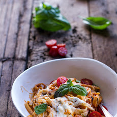 One Pot 30 Minute Creamy Tomato Basil Pasta Bake.