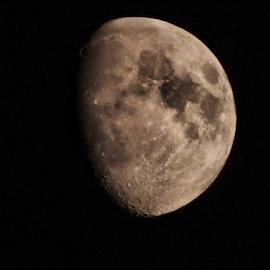 18h 02.11.2014.moon in Pula-CROATIA by Josip Kopčić - News & Events Science (  )