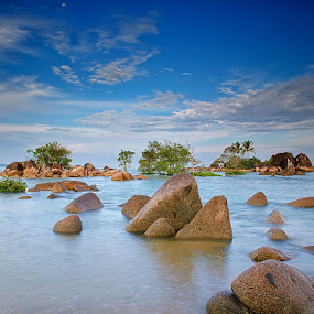 Avatar island by Eris Suhendra - Landscapes Waterscapes ( blue sky, travel, morning, nikon, landscapes, waterscapes, kalimantan, rocks, formation, borneo, island )