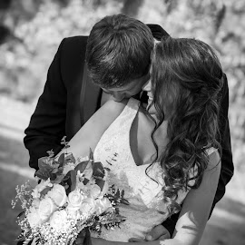 Shoulder kiss by Mark Lindsey - Wedding Bride & Groom ( bouquet, lindsay, jonny, black and white, romantic, alabama, husband, love, kiss, swift-coles, wedding, wife, bride, groom,  )