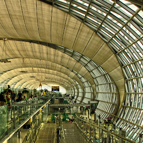 Suvarnabhumi Airport by Roly Raseda - Buildings & Architecture Other Interior ( bangkok )
