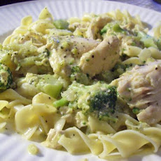 Crock Pot Golden Chicken and Noodles