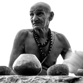 The searching look by Rajesh Kumar Gupta - People Portraits of Men ( puja, black and white, benares, ganges, varanasi, meditation, sadhu )
