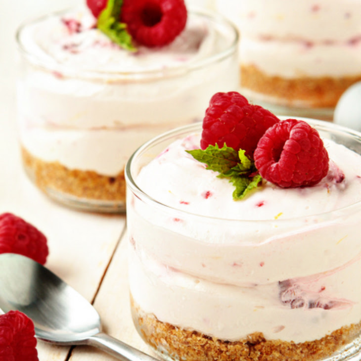Green Tea Cheesecake With Raspberries And Raspberry-Mint Tisane ...