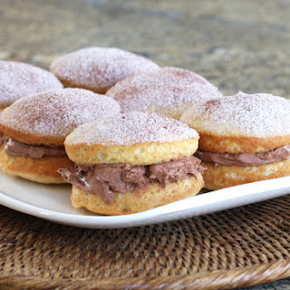 Vanilla Whoopie Pies With Creamy Chocolate Filling