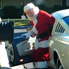 Santa enjoys his ride. by Donna Probasco - Novices Only Portraits & People (  )