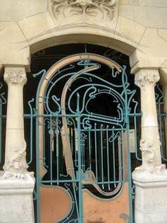 Castel Béranger-door