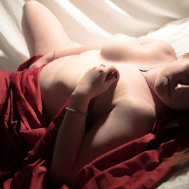 red sheet by David Lackey - Nudes & Boudoir Boudoir