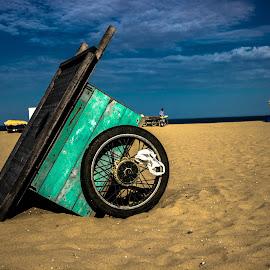 Besant Nagar Beach Chennai by Vivek Kumar - Landscapes Beaches ( canon, besantnagar, canon600d, india, beach, canon eos, chennai, tamilnadu )