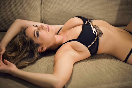 Kelly Brook Model Holliwood Celebrities Hottes 1