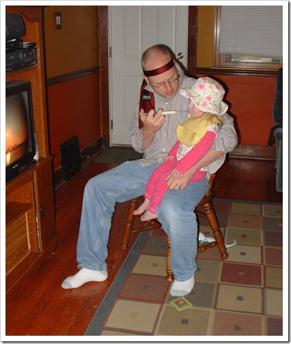 DSC00500 Cary feeding Lana