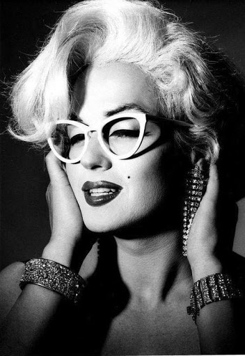 marily monroe wearing eyeglasses