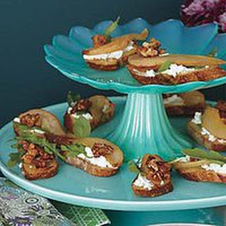 Pear-and-Goat Cheese Crostini
