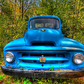 by John Larson - Transportation Automobiles