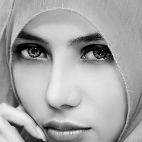 Hijab by Abdy Photoworks - Black & White Portraits & People ( potrait, fashion, beauty, hijab, women )