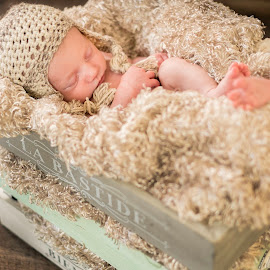 Sleepy baby by Lukas Gisbert-Mora - People Maternity ( vintage, brown, box, baby, hat,  )
