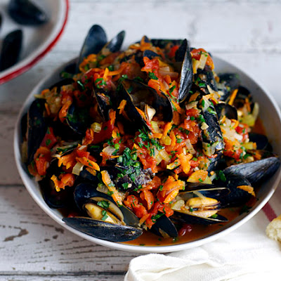 Mussels in White Wine Tomato Sauce