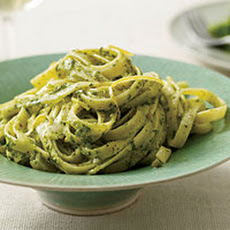 Creamy Parsley and Pistachio Fettuccine