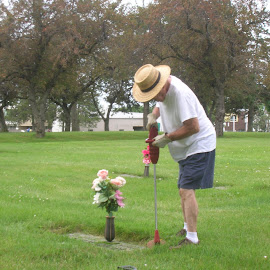 Dad Still Taking Care of Mom... by Linda McCormick - People Family ( dad, true love, missing her!!, grave, mom )