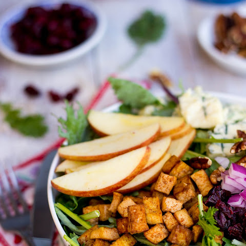 Blue Cheese, Apple, Pecan, & Cranberry Salad with Tofu