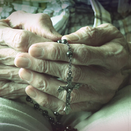 Senior woman hands holding rosary while praying by Robert Machado - Digital Art People ( blessed, person, old, purity, people, aged, religion, love, spiritual, woman, pray, belief, church, symbol, ritual, worship, sign, rosary, jesus, fingers, christ, meditation, bible, culture, senior, hope, cross, prayer, concept, christian, god, gospel, christianity, holy, object, believe, hand, crucifix, spirituality, believer, closeup, despair, peaceful, faith, traditional, beads, catholicism, catholic, bead, female )
