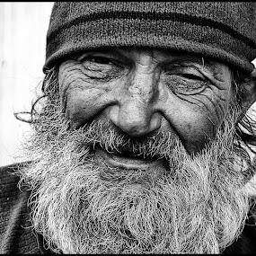 Straat by Etienne Chalmet - Black & White Portraits & People ( black and white, street, men, people, portrait,  )