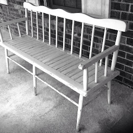 Old bench by Terry Linton - Artistic Objects Furniture ( vertical lines, pwc )